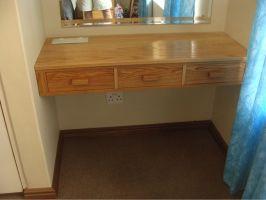 Built-in dressing table - February 2015
